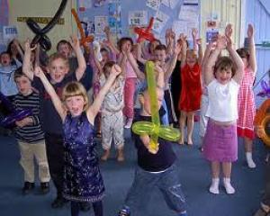 Kinderfeesten in de praktijk: Hou het geheim, Vastgelegd, Indiaanloos indianenfeest en ongelukjes