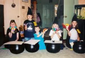 Harry Potter-feest: Hapjes en drankjes, Mee naar huis, Trakteren op school, Films, boeken en cd's, Buiten de deur